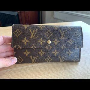 💯% Auth Louis Vuitton long Wallet